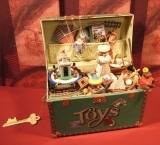 ENESCO Spieluhr Treasue Chest of Toys