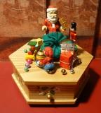 ENESCO Holz-Spieluhr Bescherung
