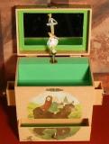 Enchantmints Spieluhr mit Schubladen GR 4 B7003BALL - Schneeweißchen und Rosenrot GR 4 mit Ballerina