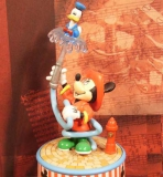ENESCO Disney-Spieluhren-Serie Mickey To The Rescue