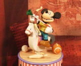 ENESCO Disney-Spieluhren-Serie Mickey Shoots For The Stars