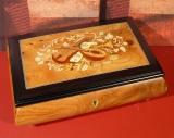 BÖHME Spieluhr 30-Ton 85713 - Intarsien Instrumente 200 / Forelle