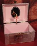 MMM Spieluhr Truhe Kompakt 280016 - Truhe Ballerina