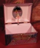 MMM Spieluhr Truhe Kompakt 280018 - Truhe Rosa